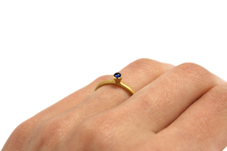 Farbenspiel Ring Gelbgold mit Safir