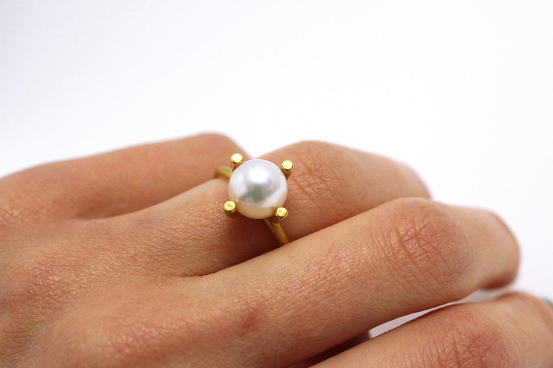Farbenspiel Ring mit Perle